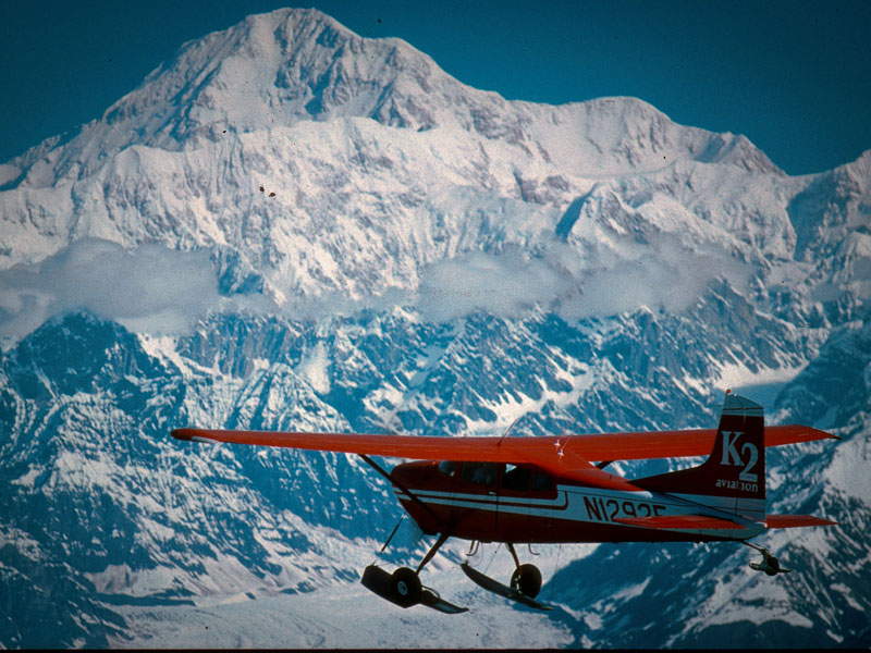 Alaska Train Vacation with the Arctic Cruise Connector | Denali Backcountry Tour with Scenic Flight
